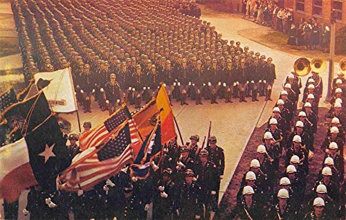 Texas A and M College Cadet Corps Mass Formation Vintage Postcard J927535 ()