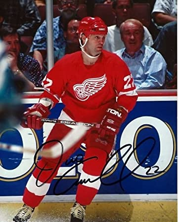 9b27a3d5e Dino Ciccarelli Signed - Autographed Detroit Red Wings 8x10 inch Photo -  Guaranteed to pass PSA