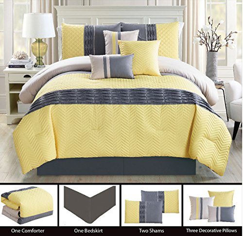Bedding Chevron Quilted Comforter pillows product image