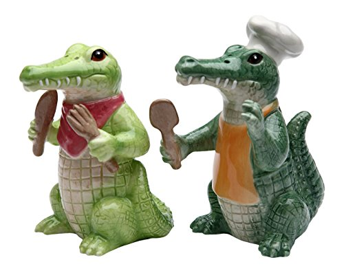 StealStreet SS-CG-20736, 3.75 Inch Painted Alligator Cooking Chef Salt and Pepper Shakers]()