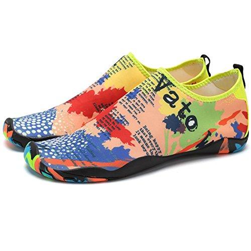 Eagsouni Hombres Mujeres Zapatos de Agua de Playa de Natación Unisex Secado  Rápido Descalzo Calzado Calcetines 975ab3759728