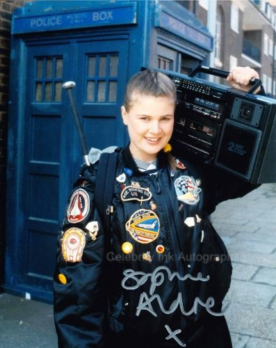 - SOPHIE ALDRED as Ace - Doctor Who GENUINE AUTOGRAPH