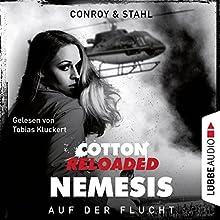 Auf der Flucht (Cotton Reloaded: Nemesis 2) Hörbuch von Gabriel Conroy, Timothy Stahl Gesprochen von: Tobias Kluckert