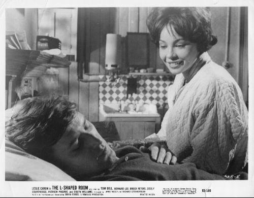 National Screen Service Corp THE L-SHAPED ROOM: Movie Advertizing Photograph of Leslie Caron and Tom Bell (LSR-5)