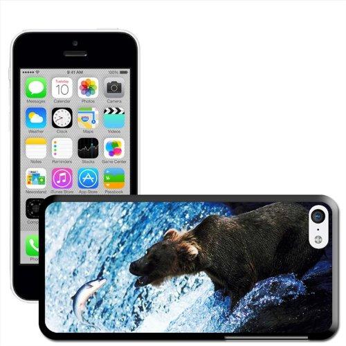 Fancy A Snuggle Motif ours brun attrapant des saumons dans l'eau Coque arrière rigide à clipser pour Apple iPhone 5C