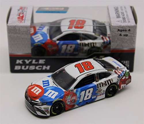 Lionel Racing Kyle Busch #18 M&M's Red White and Blue 2017 Toyota Camry 1:64 Diecast - 64 Blue