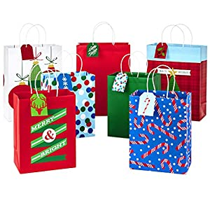 "Hallmark Christmas Assorted Gift Bag Bundle with Mix-n-Match Gift Tags, Traditional (Pack of 7 Gift Bags: 3 Large 13"", 4 Medium Gift Bags 9""; 7 Gift Tags)"