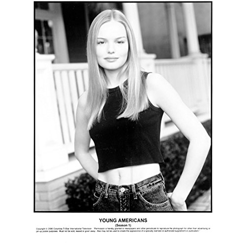 Young Americans (TV Series 2000) 8 inch by 10 inch PHOTOGRAPH B&W Pic from Hips Up Kate Bosworth Wearing Crop Top kn