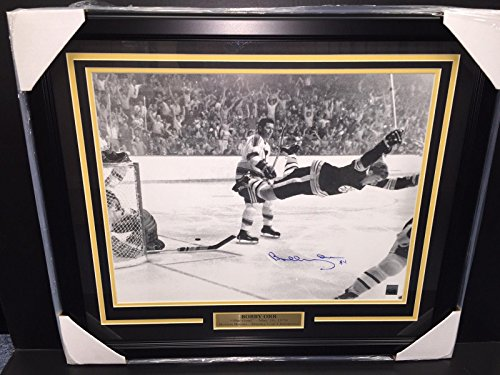 ture - The Goal 16x20 Framed 1970 Stanley Cup - Autographed NHL Photos ()