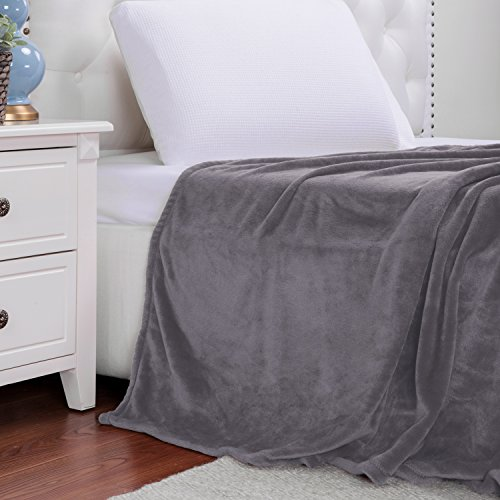 Bedsure Flannel Fleece Luxury Blanket Grey King Size Lightwe