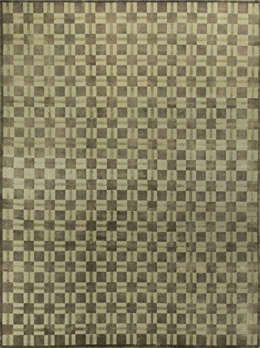 - Traditional Hand Woven Rug - 9'11 X 15'10
