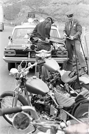 (Photo Motorcycle Hell's Angels Gang Beakersfield 25)