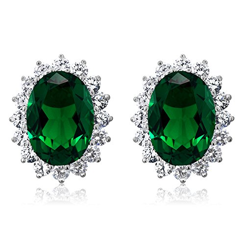 (15.00 Ct Oval Green Simulated Emerald and Zirconia 925 Sterling Silver Earrings)