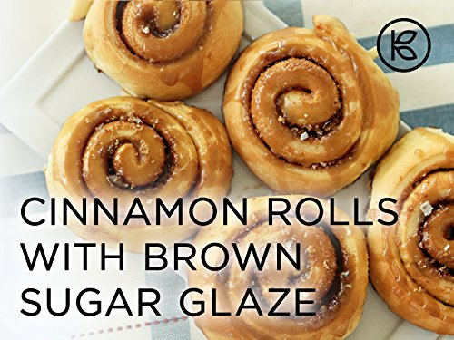cinnamon-rolls-with-brown-sugar-glaze