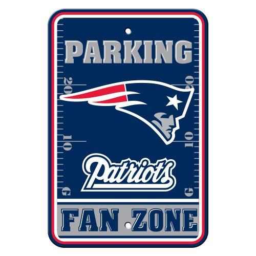 Fremont Die NFL New England Patriots Plastic Parking Sign ()