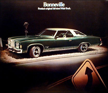 Pontiac Bonneville Hardtop - 1974 PONTIAC BONNEVILLE HARDTOP COUPE in PINEMIST GREEN - COLOR PAGE from PRESTIGE BROCHURE - USA - NICE !!