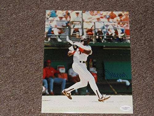 Tony Gwynn Autographed 8x10 JSA Authentic