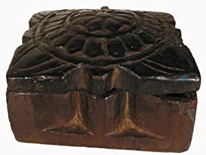 Tibetan Blessing Powder Box / Lotus