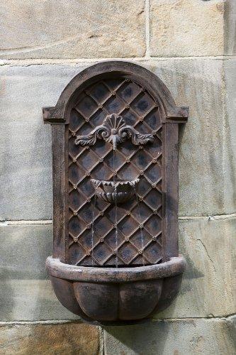 Cambridge Wall Fountain in English Iron