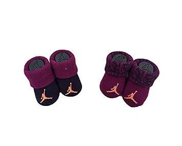 14d5c0ce689f4 Nike Michael Jordan Chaussons 0-6 Mois 2 Paires de Coffre 23  Amazon ...