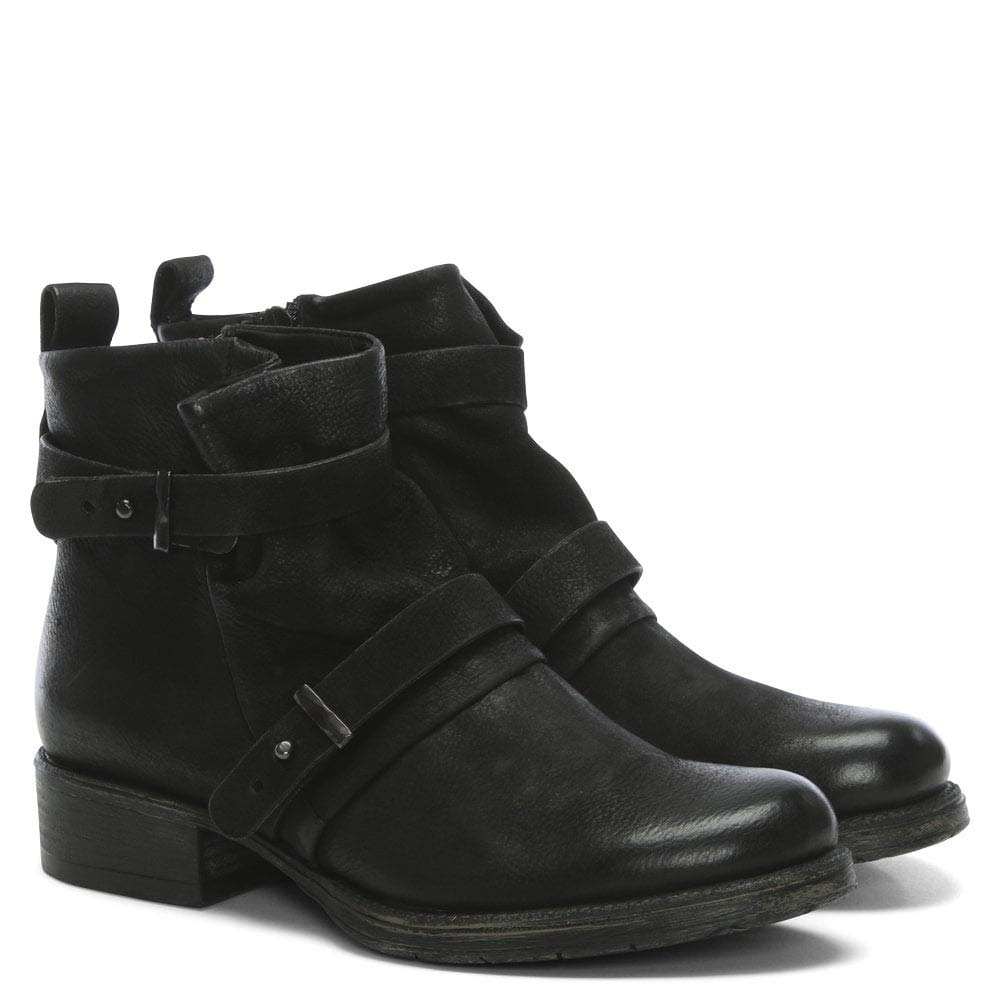 2de86e4f6 Daniel Maxwell Black Leather Two Strap Biker Boots: Amazon.co.uk: Shoes &  Bags