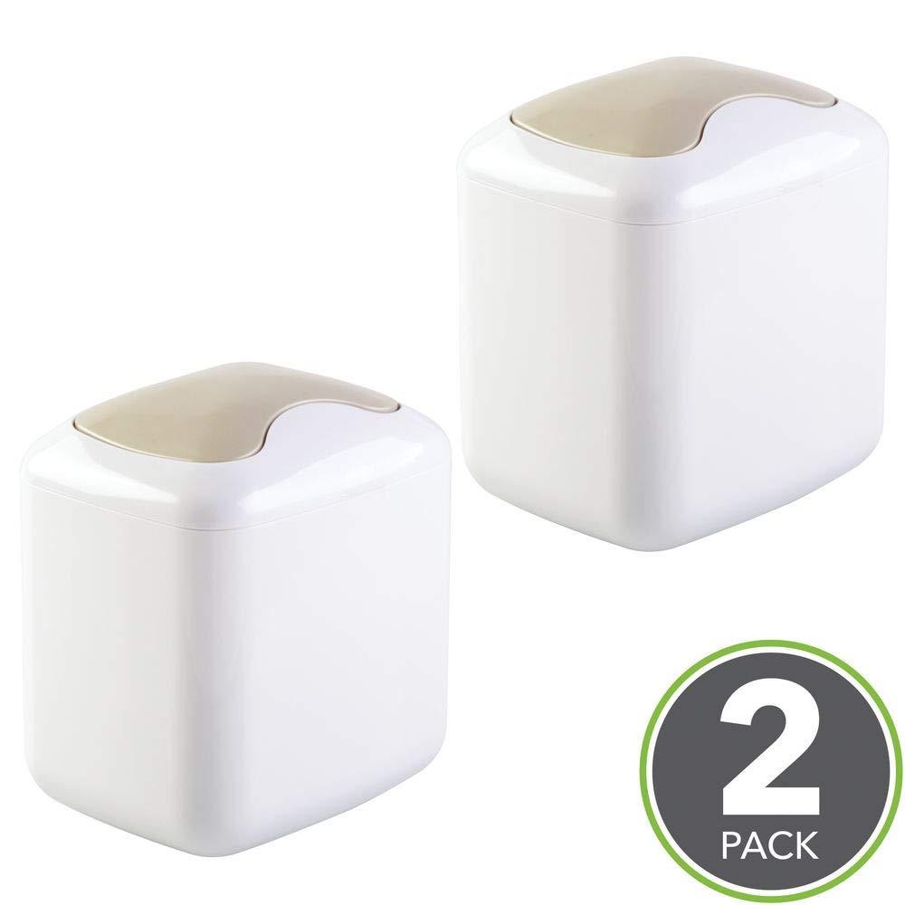 Pattumiera bagno compatta per il bagno bianco mDesign Set da 2 Mini pattumiera da tavolo in plastica robusta Pratica pattumiera con coperchio basculante