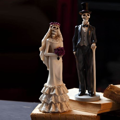 Decorative Skeleton Bride and Groom Statues