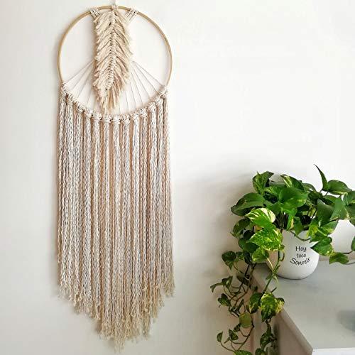 Atrapasueños macramé de manta de algodón con pluma en el centro, aro de bambú. 35 cms diametro x 1.10 cms alto. Hecho a...