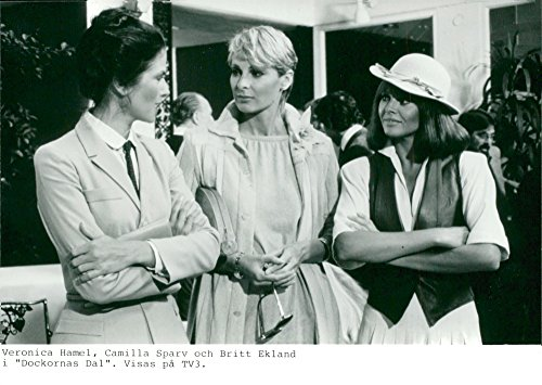 vintage-photo-of-veronica-hamel-camilla-sparv-and-britt-ekland-in-the-dockorns-valley-on-tv3