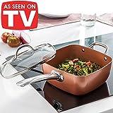 5508 - Cocotte innovante 4en 1, en cuivre et céramique, très résistante - Adaptée comme wok, casserole, plat à four et friteuse- Avec lot de 4 accessoires - Couvercle en verre trempé, panier pour frire et plateau pour cuisine à la vapeur ou au gril inclus - Adapté également pour plaques à induction - Revêtement en cuivre brillant micronisé et céramique antiadhésive, poignée en acier - Couleur cuivre - - -