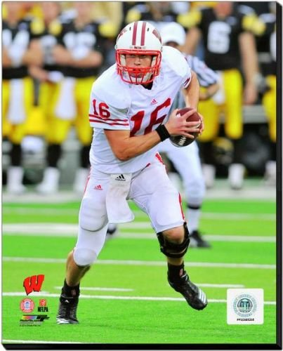 Wisconsin Badgers Scott Tolzien 2010 Action 40x50 Stretched Canvas by Biggsports