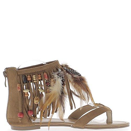 60a7cb3626f3 Sandales plates camel look daim avec franges perles et plumes Ordre ...