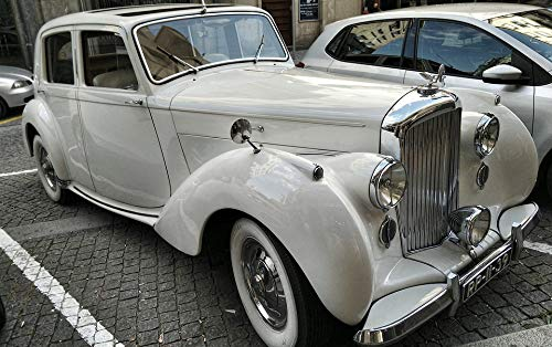 Home Comforts Canvas Print Automobile Bentley Vintage Car Portugal Porto Vivid Imagery Stretched Canvas 32 x 24 ()