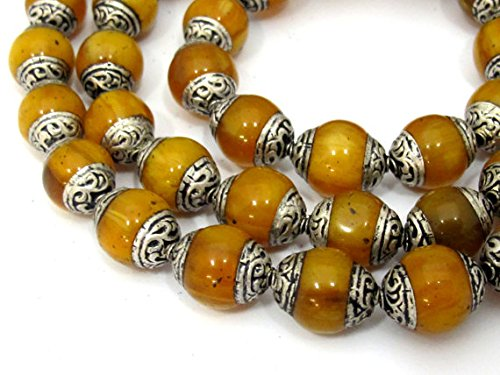 4 BEADS - Tibetan copal resin silver capped beads - BD587E