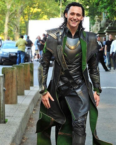 LOKI TOM HIDDLESTON 8x10 Photo Hot Sexy Movie Actor Thor The Avengers outside