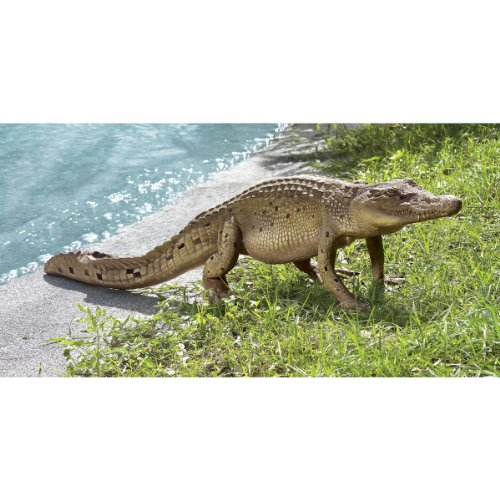 Design Toscano The Grand-Scale Wildlife Animal Collection: The Walking Crocodile Statue by Design Toscano (Image #4)