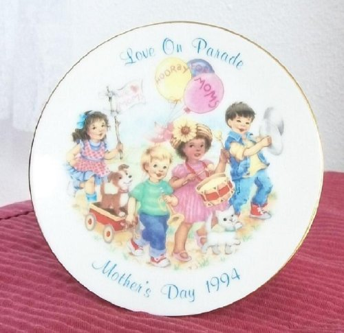 1994 Avon Collectible Mother's Day Plate