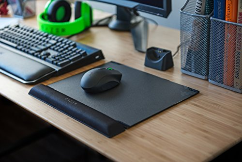Razer Vespula V2 - Dual Surface Hard Gaming Mouse Mat - Memory Foam Wrist Rest Mouse Pad - Speed & Control by Razer (Image #2)