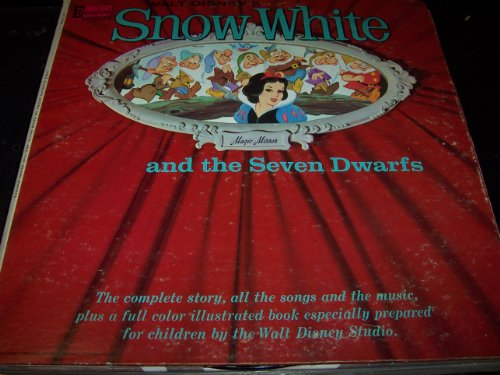 Walt Disney's Snow White and the Seven Dwarfs: Complete Story, Songs and Music with Full Color Illustrated Book ()
