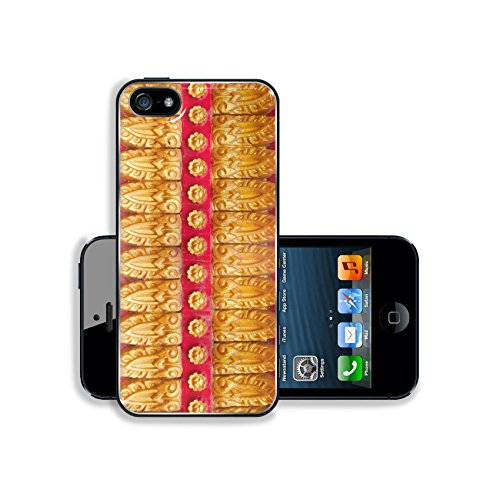 luxlady-premium-apple-iphone-5-iphone-5s-aluminium-snap-case-image-38478496-temple-wall-in-the-backg