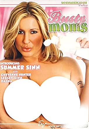 free Busty moms preview