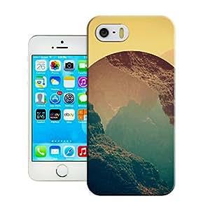 LarryToliver Attractive Customizable Design Exquisite artwork Cheap unique iphone 5/5s Great Designer Back Case Cover Bumper