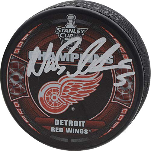 Nicklas Lidstrom Detroit Red Wings Autographed 2008 Stanley Cup Champions Logo Hockey Puck - Fanatics Authentic Certified