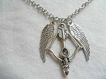 amazon com crossbow and wings necklace crossbow necklace fandom