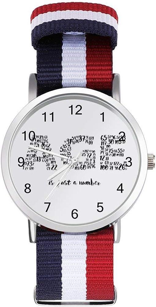 Age is Just A Number Reloj de pulsera trenzado con escala, texto en negro