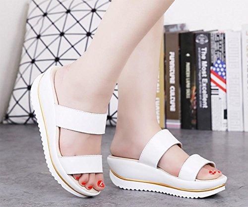 Verano sandalias y zapatillas pendiente con deslizadores de la palabra casuales zapatos de la plataforma de fondo grueso de las mujeres White