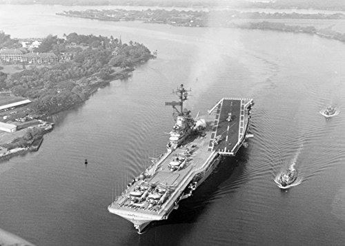 (Home Comforts Laminated Poster The U.S. Navy Aircraft Carrier USS Hornet (CVS-12) Entering Pearl Harbor, Hawaii (USA), Following th Vivid Imagery Poster Print 24 x 36 )
