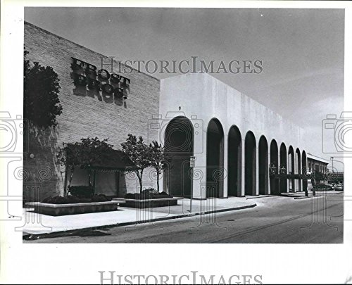 1991 Press Photo The Frost Brothers store at North Star Mall - - Mall North Star