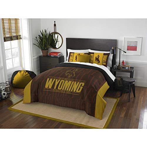 - 3pc NCAA University Wyoming Cowboys Comforter Full Queen Set, Brown, Fan Merchandise, Team Logo, College Basket Ball Themed, Sports Patterned Bedding, Team Spirit, Unisex, Gold