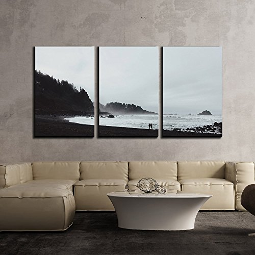 wall26 - 3 Piece Canvas Wall Art - Couple Walking on The Beach in Black and White - Modern Home Decor Stretched and Framed Ready to Hang - 16